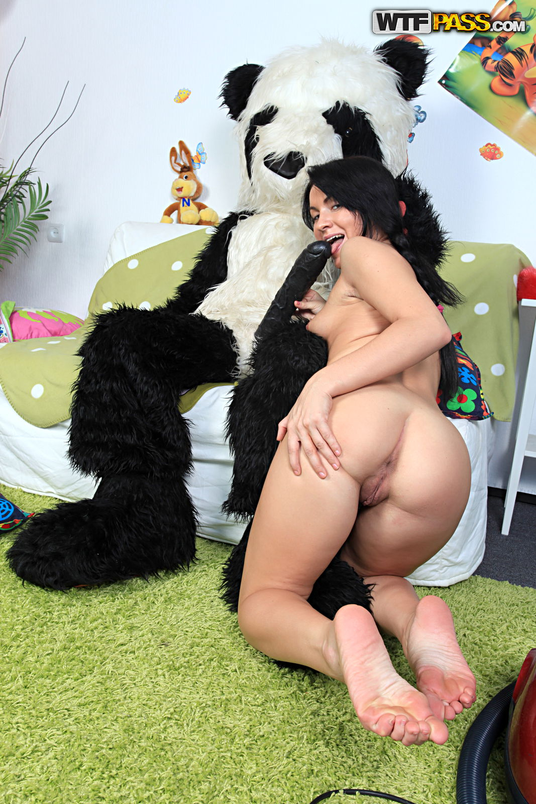 Panda Fuck picture sample number 3